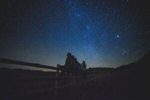 star-gazing-1149228 (1) stor